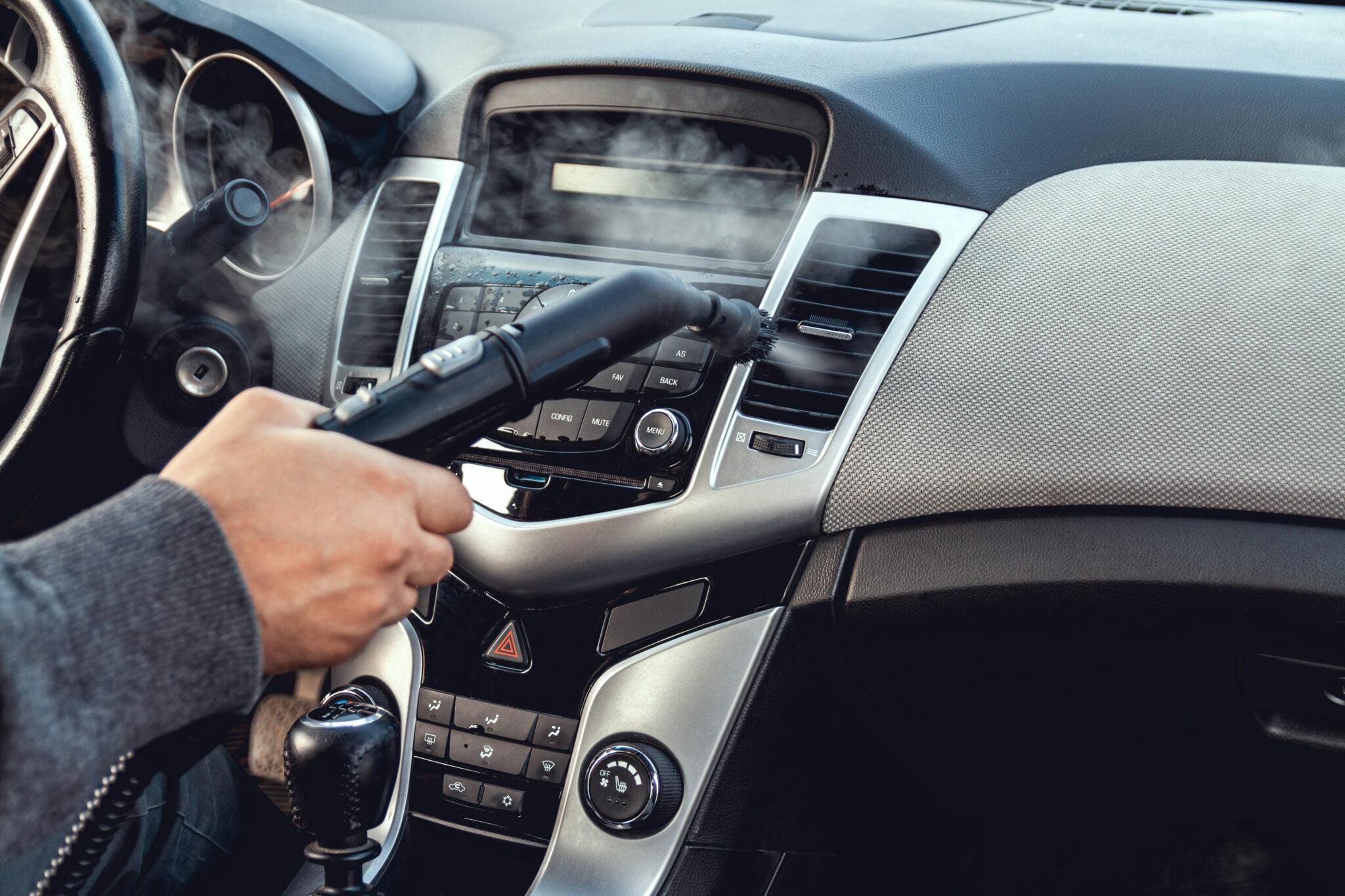 Myjnia samochodowa - czyszczenie tapicerek samochodów osobowych i ciężarowych, pranie dywanów i wykładzin